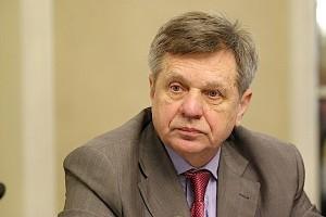 Cezary Śledziewski: powody opóźniania konkurencji generycznej