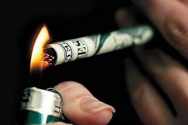 Jak apteki zarabiają na zakazie palenia