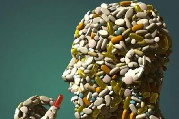 Wzrasta nadużywanie leków i czytelnictwo ulotek