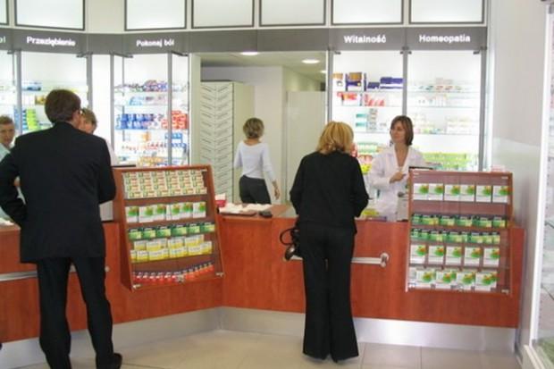 Zakupy w aptece robimy pod wpływem impulsu. Pomoże opieka farmaceutyczna?