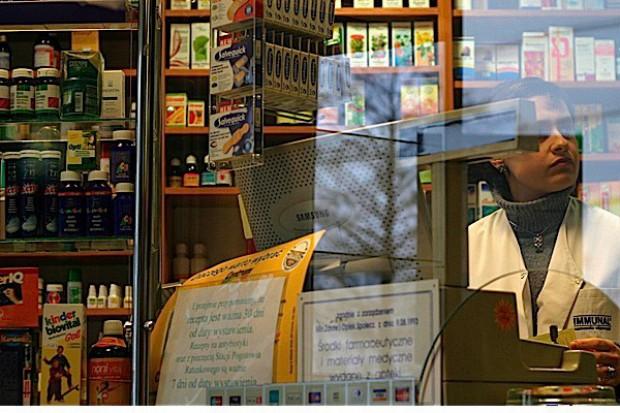 Śląskie: prokuratura oddaje aptekom przeterminowany corhydron. Tylko po co?