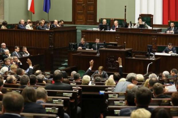 Sejm: kluby jednomyślnie za nowelą Pf