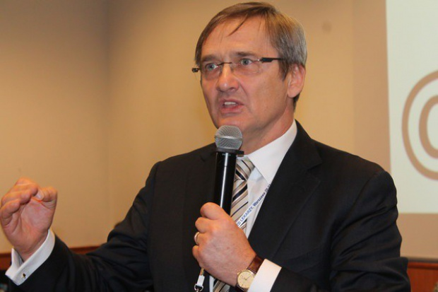 Dlaczego Ministerstwo Zdrowia milczy w sprawie skutków ustawy o refundacji leków?