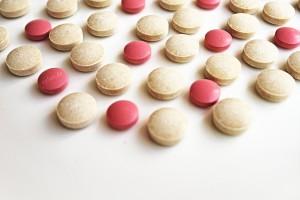 Zabrze: w paczce z Hong Kongu były podrabiane leki