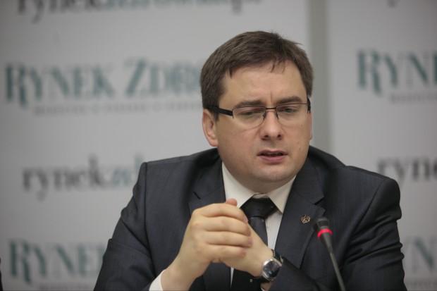 MZ: ustawa pf wprowadzi przejrzystość transakcji hurtownia-apteka