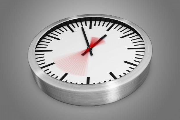 Sondaż: prawie 30 proc. lekarzy pracuje  bez przerwy ponad 24 godziny