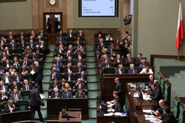 Posiedzenie komisji nt. równego dostępu hurtowni do leków odroczone