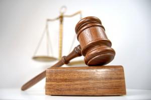 Sąd uderza w internetowych oszustów