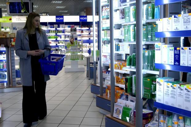 Prezes NRA: suplementy i kosmetyki powinny zostać w aptekach