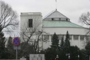 Sejm przesunął termin kontraktowania z NFZ