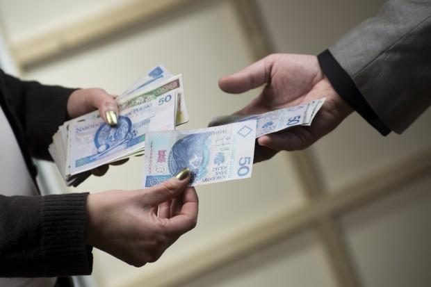 CBA w akcji: zatrzymano urzędników NFZ za korupcję
