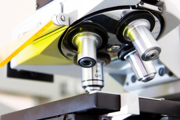 Sztuczna inteligencja przyspieszy badania nad lekami