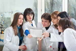 """Projekt BioMed """"wychował"""" całe pokolenie młodych naukowców"""