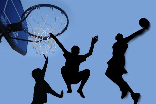 Polfarmex koszykówką stoi