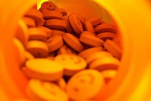 NFZ radzi wstrzymać się szpitalom od zawierania wieloletnich umów na leki