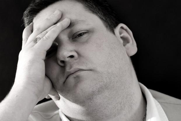 Bóle głowy mogą być epizodyczne lub przewlekłe