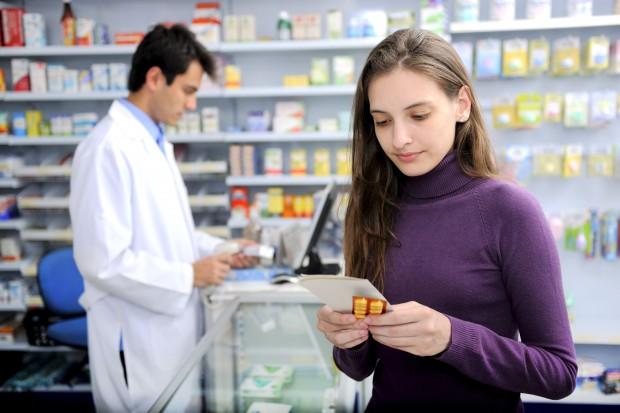 Opieka farmaceutyczna; pobożne życzenia?