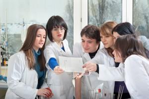 Przyszli farmaceuci podczas XVIII Festiwalu Nauki i Sztuki