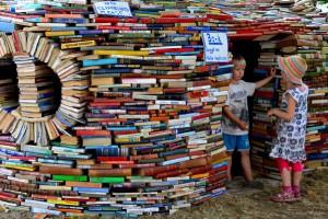 Czytanie dzieciom rozwija ich mózgi