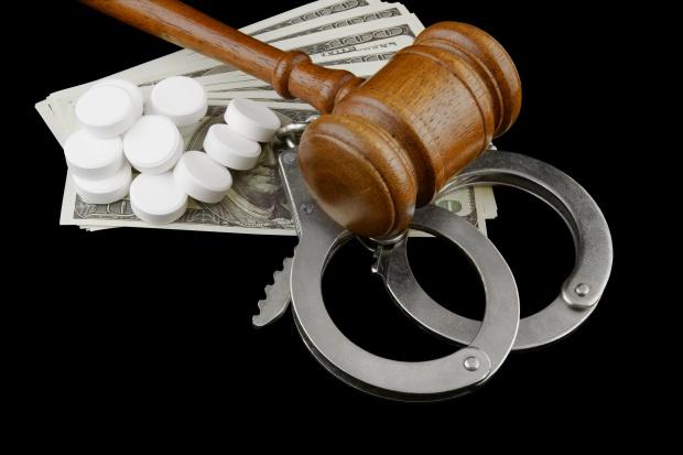Anglia: farmaceuta kradł leki i sprzedał je narkomanom