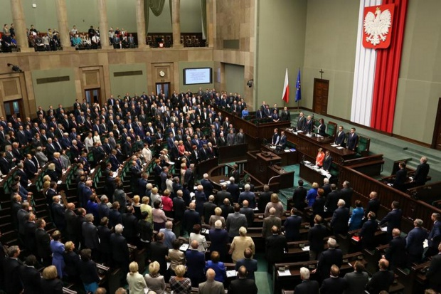 Ile jeszcze razy Sejm będzie przekładał czytanie projektu ustawy refundacyjnej?