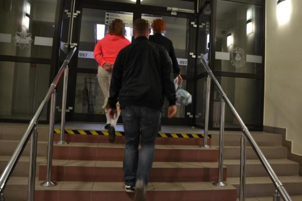 """Policja zatrzymała """"urzędniczki"""" NFZ """"kontrolujące"""" refundacje leków"""