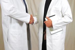Lenalidomid wydłuża życie chorych na szpiczaka mnogiego