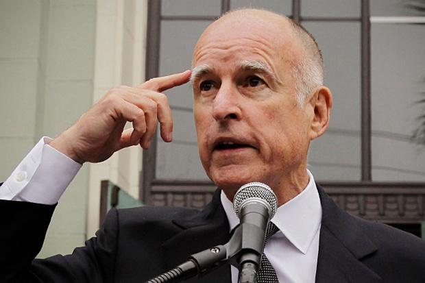 """Kalifornia: gubernator Jerry Brown podpisał ustawę o """"wspomaganym samobójstwie"""""""