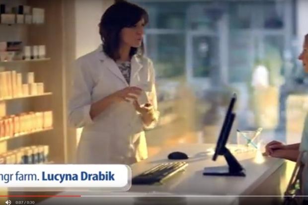 Farmaceutka w reklamie: sprawę zbada rzecznik odpowiedzialności zawodowej