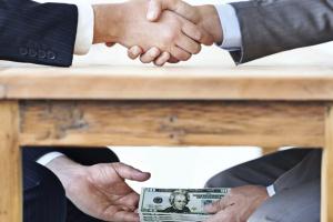 Częstochowa: dyrektor pogotowia zwolniony za korupcję