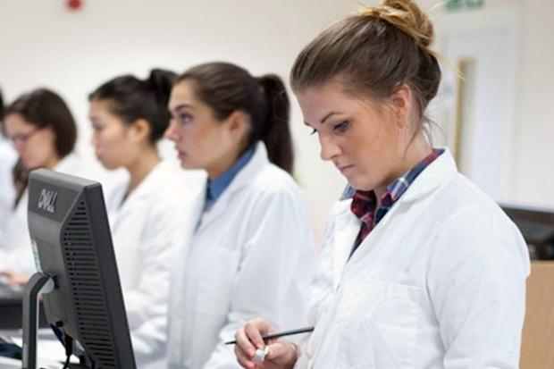 WUM: kursy specjalizacyjne dla farmaceutów