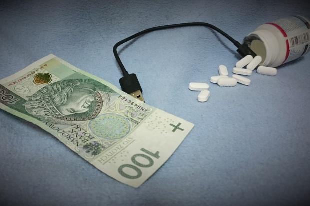 Raport: ile wydajemy na leki w internecie