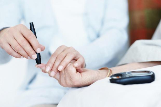Ekspert: wśród zmarłych z powodu COVID-19 jedna trzecia to pacjenci z cukrzycą