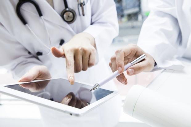WCO: zlecenie podania leków przez tablet