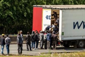 Calais: imigranci próbowali dostać się do ciężarówki wiozącej leki