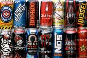 Europosłowie przeciwni promowaniu napojów energetycznych