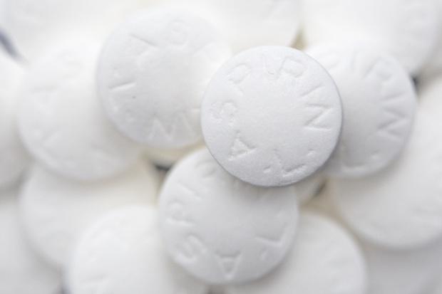 Badanie: zbawienne skutki małych dawek aspiryny