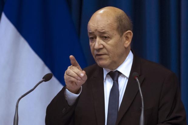 Francja przygotowuje apteki do walki z terroryzmem