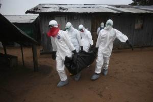 Przeżyło niemowlę zarażone ebolą szóstego dnia po porodzie