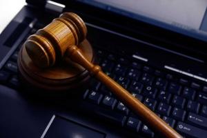 Hitem cyber-handlu są pigułki gwałtu GHB. Policja ma problem