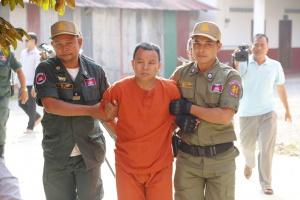 Kambodża: lekarz zakażał wirusem HIV