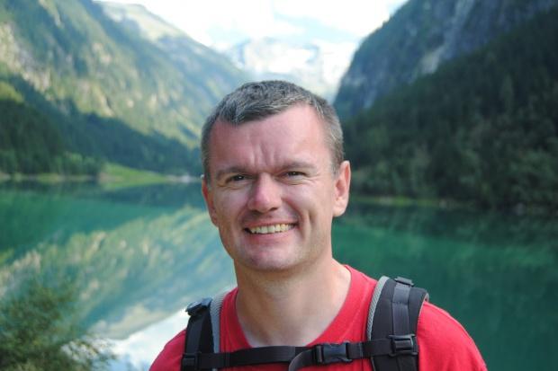 Prof. Jakub Fichna nagrodzony RSA za projektowanie i syntezę nowych leków