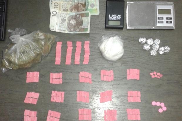Toruń: handlarz narkotyków i nielegalnych leków zatrzymany