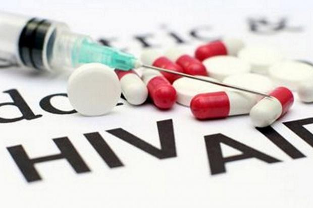 MZ rozważa zmiany w programie leczenia HIV/AIDS