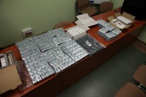 Poznań: handlarze nielegalnymi lekami na potencję zatrzymani