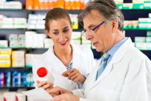 Propozycja: jeden farmaceuta - max 4 apteki + kryterium geograficzne