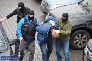Policja rozbiła gang produkujący dopalacze