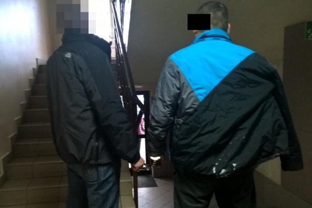 Warszawa: nie okradł apteki, bo zasnął w trakcie włamania