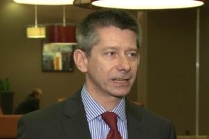 Prof. Sacha: należy skrócić czas wprowadzania nowych programów lekowych