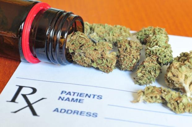 Polityk apeluje o legalizację medycznej marihuany